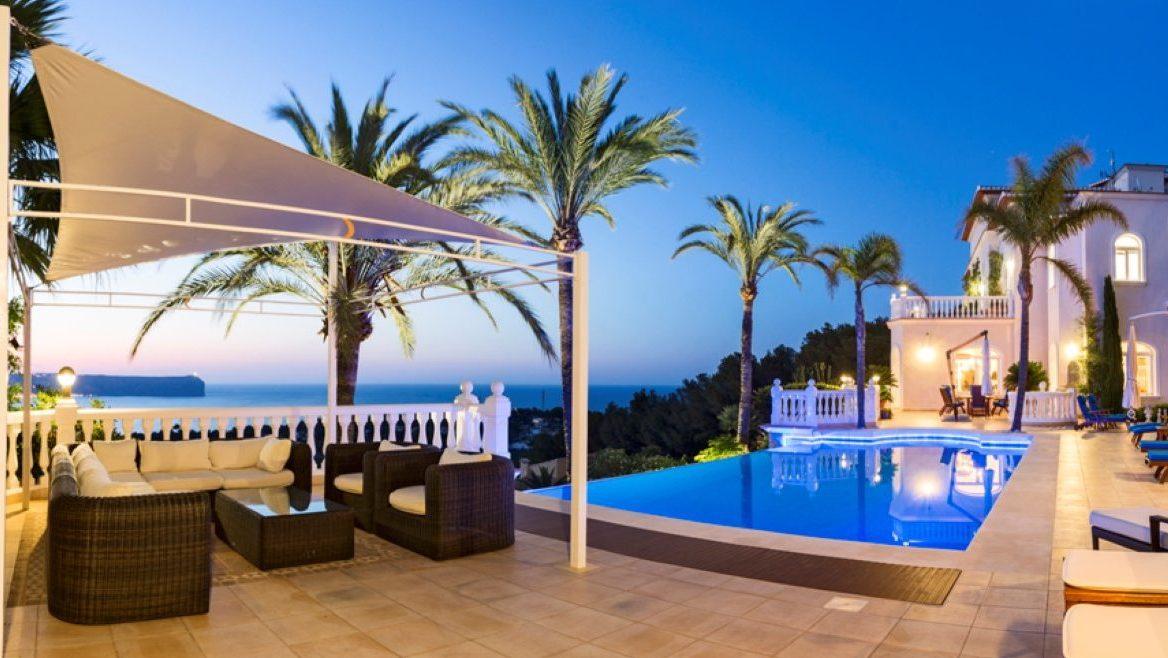 Villa à vendre à Jávea, avec vues sur l'île de Portixol