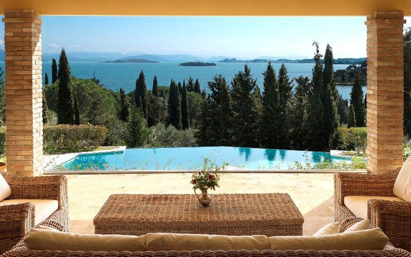 Villa with sea views in Corfu