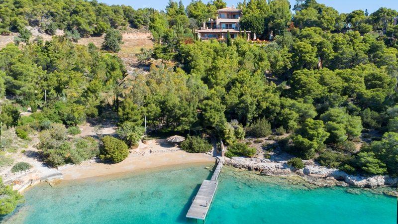 Villa with private beach for sale in Porto Heli