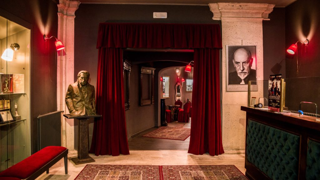 Hall d'entrée du Théâtre Flaiano à Rome