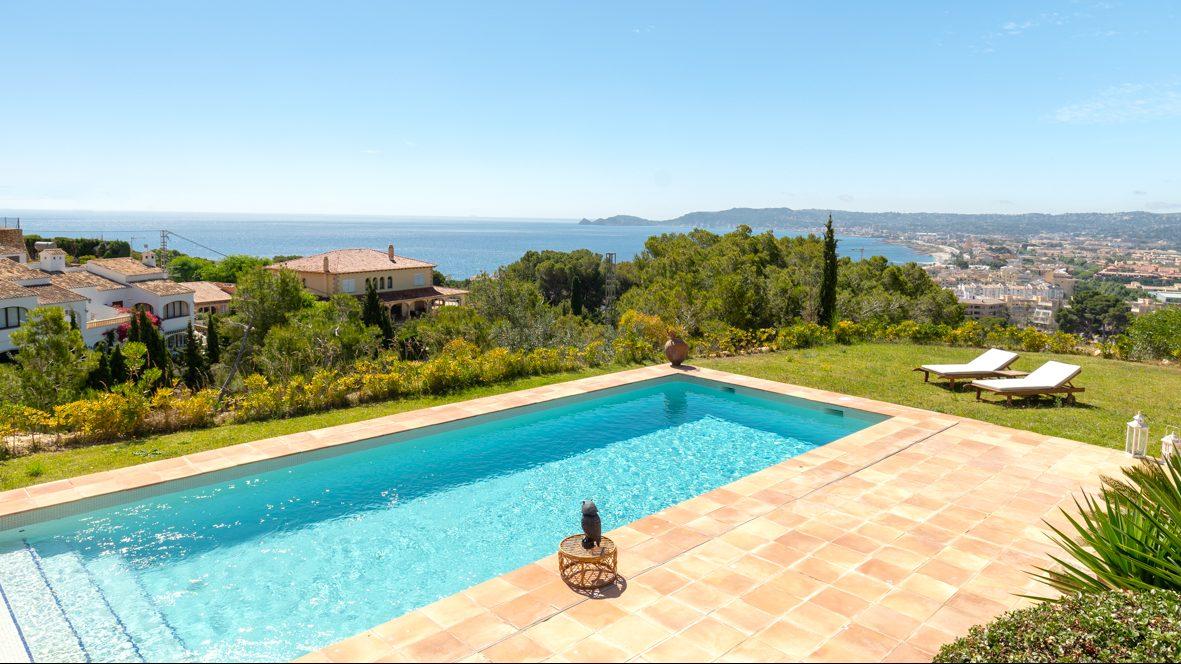 Casa in vendita a Jávea - Vista al mare dalla piscina