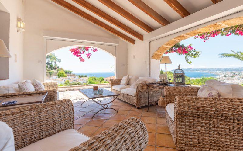 Casa in stile mediterraneo a Javea - terraza con vista mare