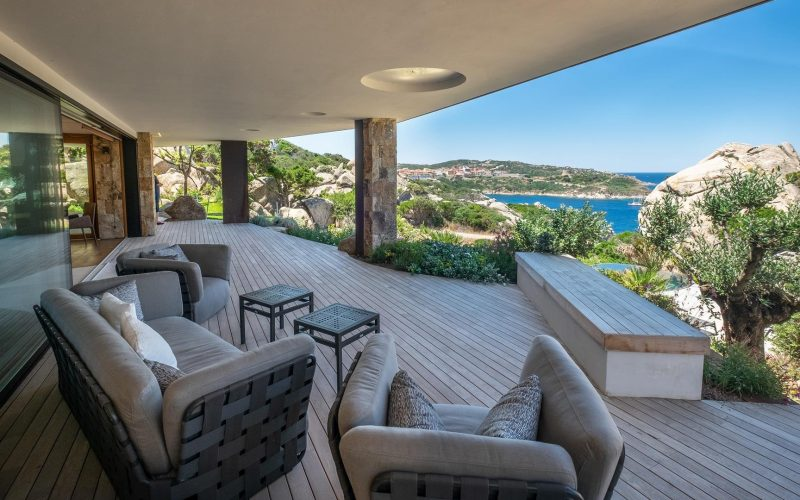House with sea views in Terravecchia