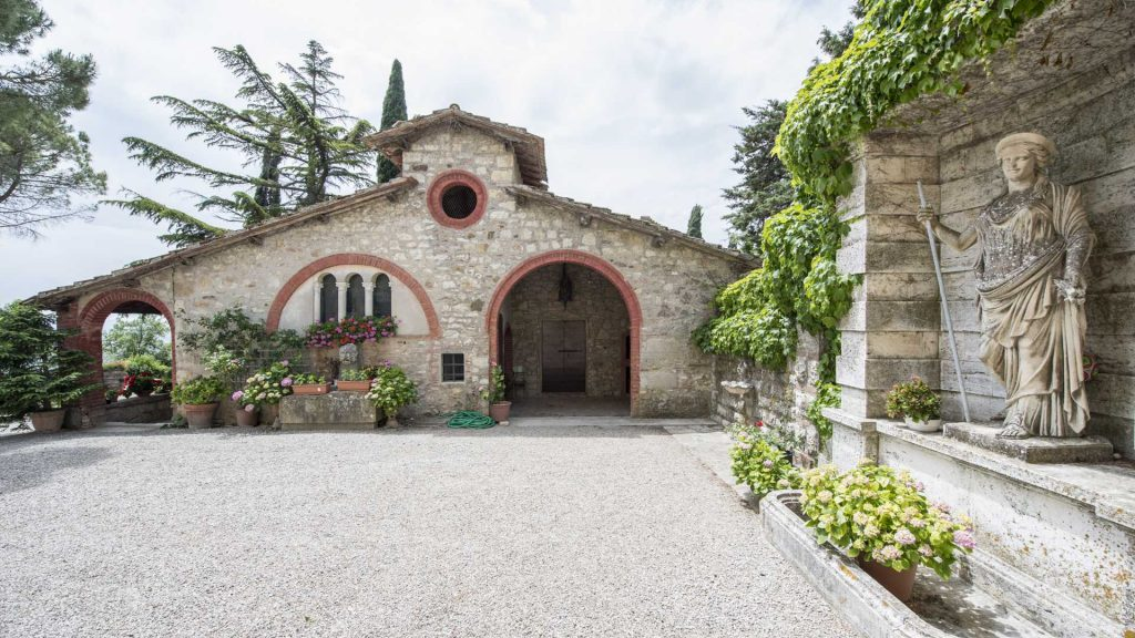 Rural home of the 14th century in Castellina in Chianti