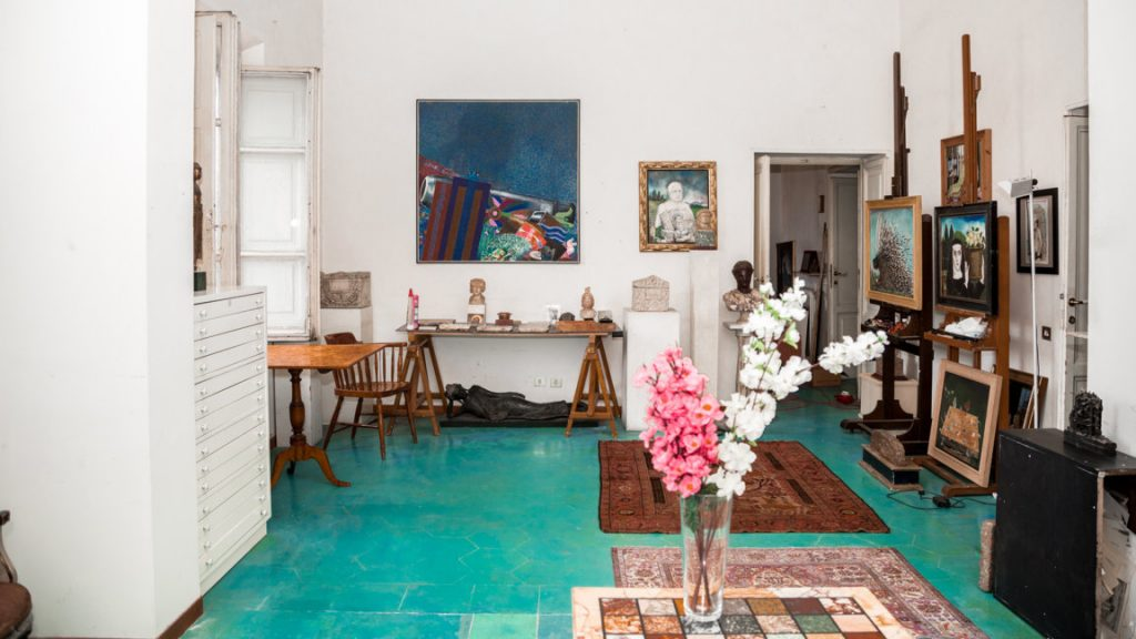 Artistic atelier of the apartment in Rome
