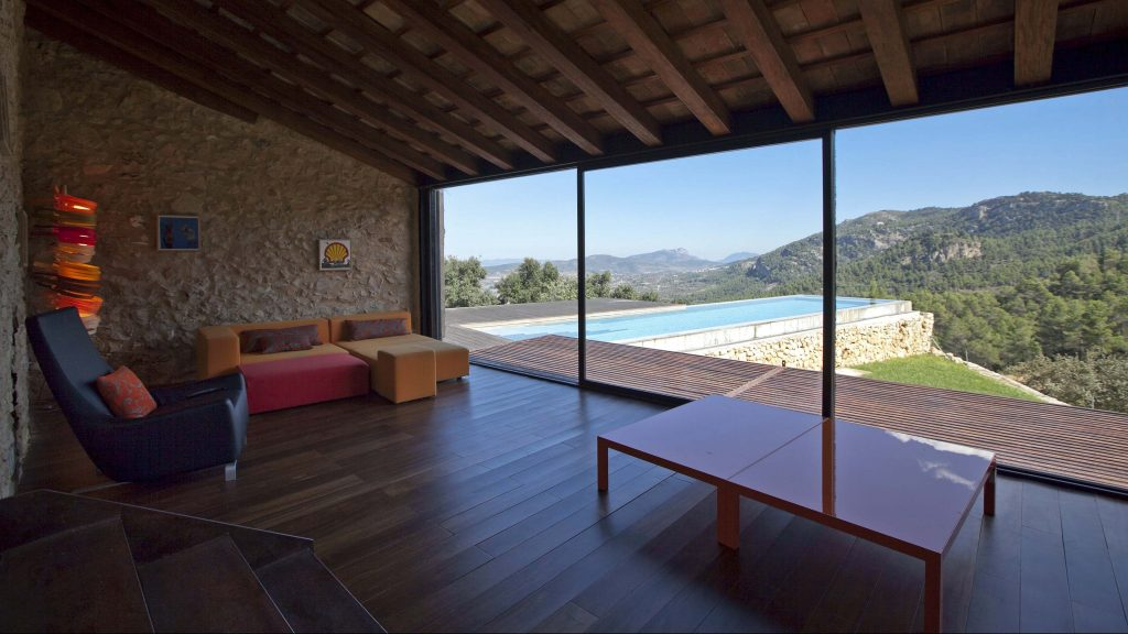 Lounge area with exquisite views of the valley