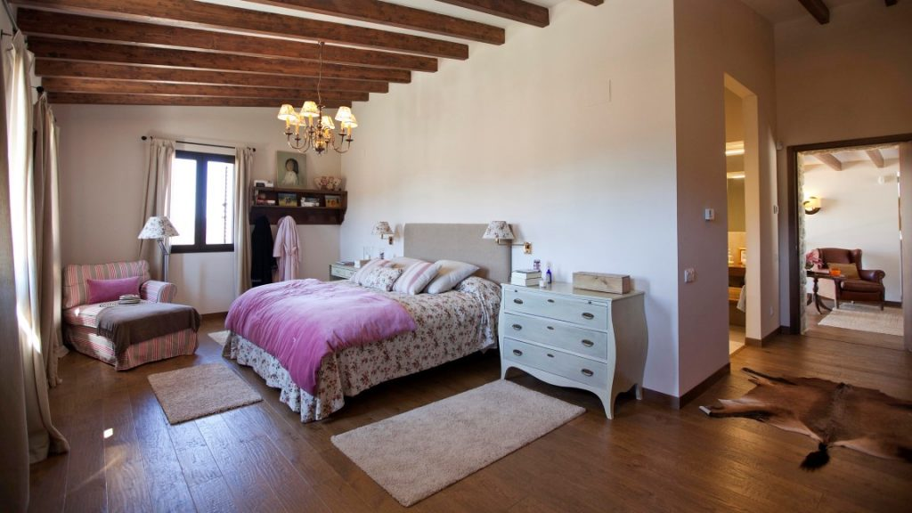 Rustic bedroom in a country home