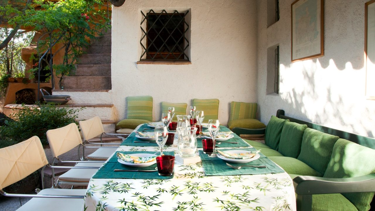 Charming outdoor dining area