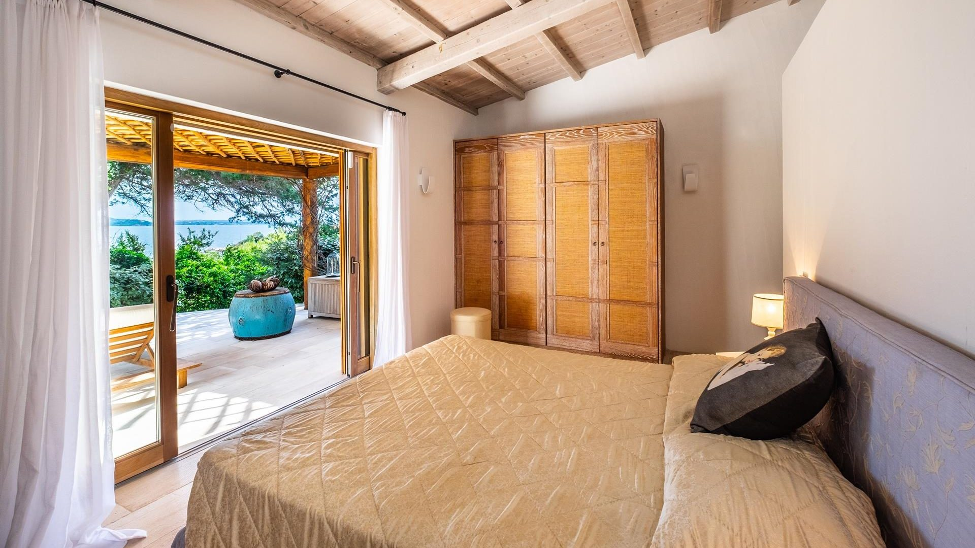 Bedroom with views in Sardinia