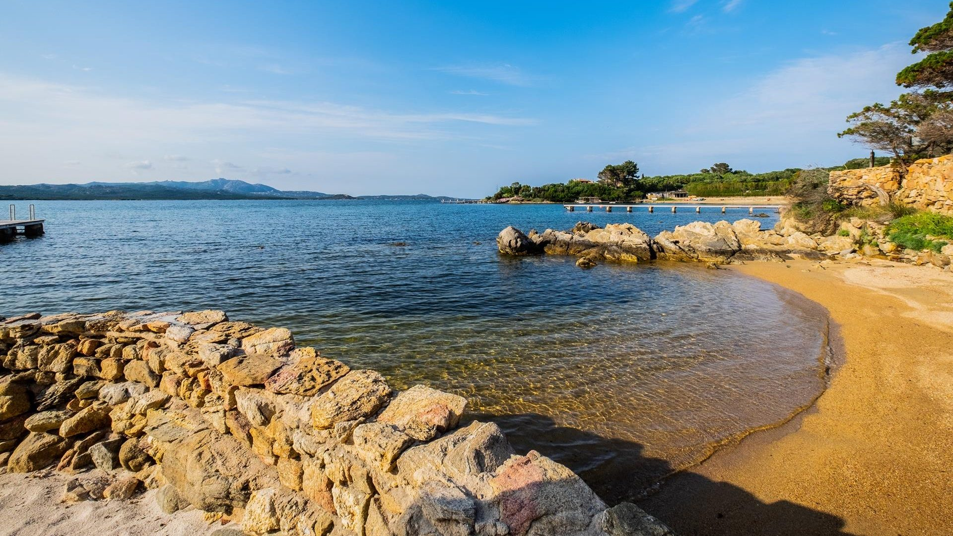 Direct access to the beach in Sardinia