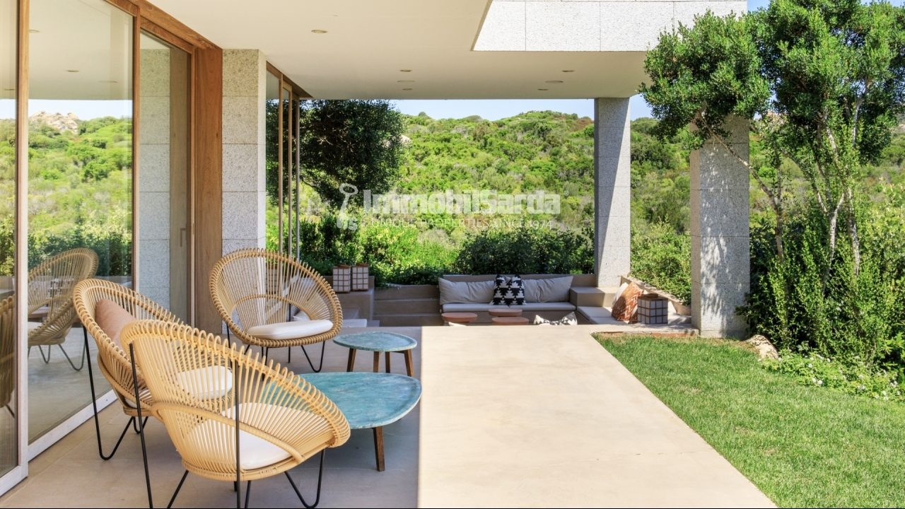 Equipped terrace immersed in nature