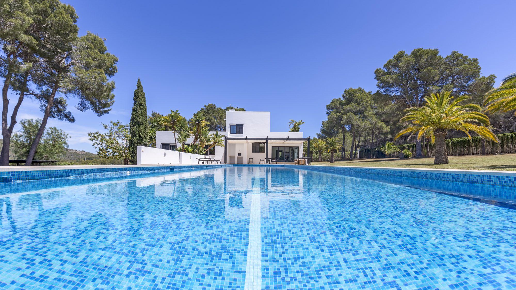 Impressive 25-m swimming pool