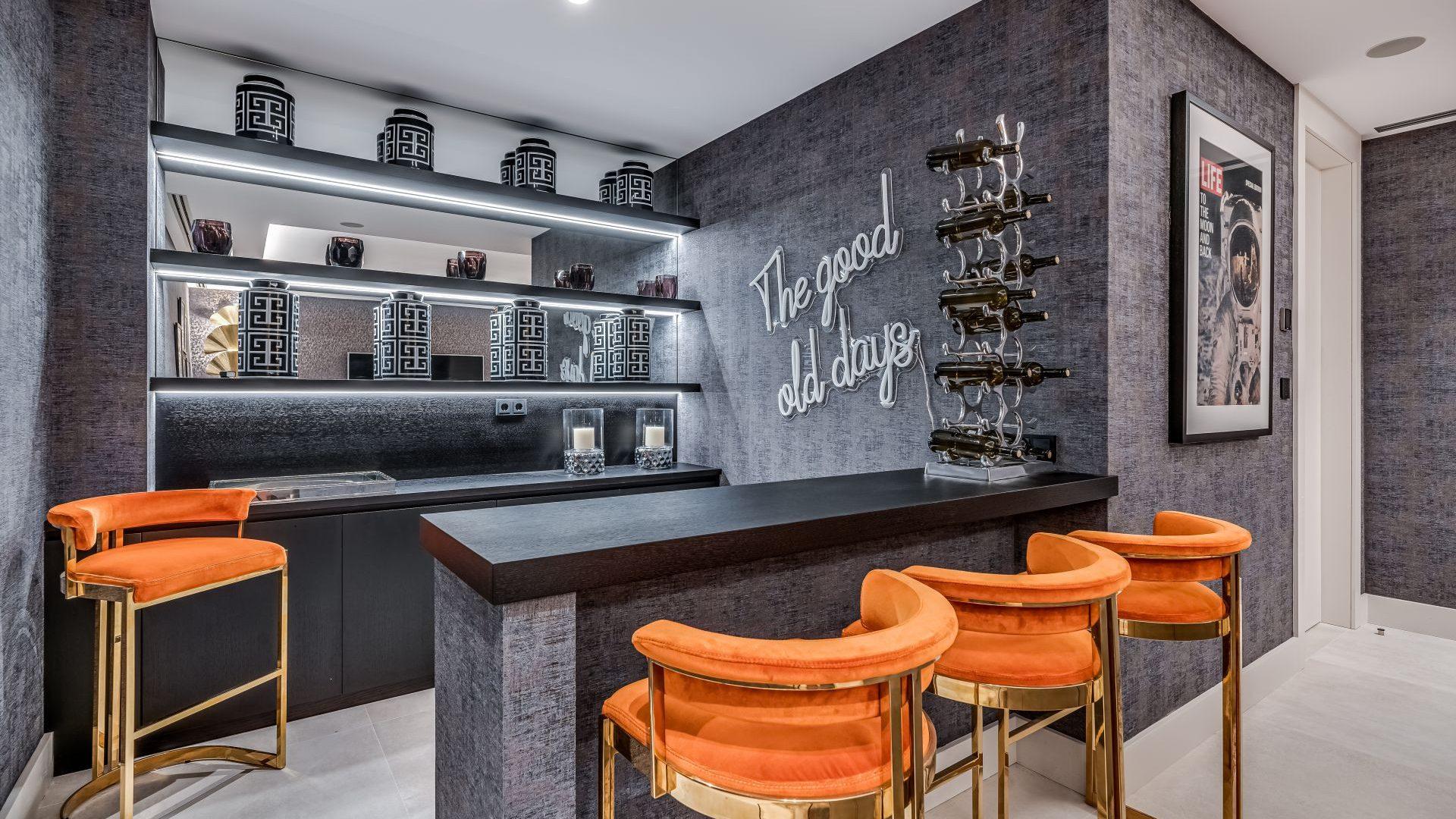 Bar area of this luxury villa in Marbella Golden Mile