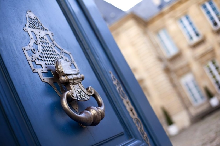 Switzerland and Alpine France: a strategic real estate market