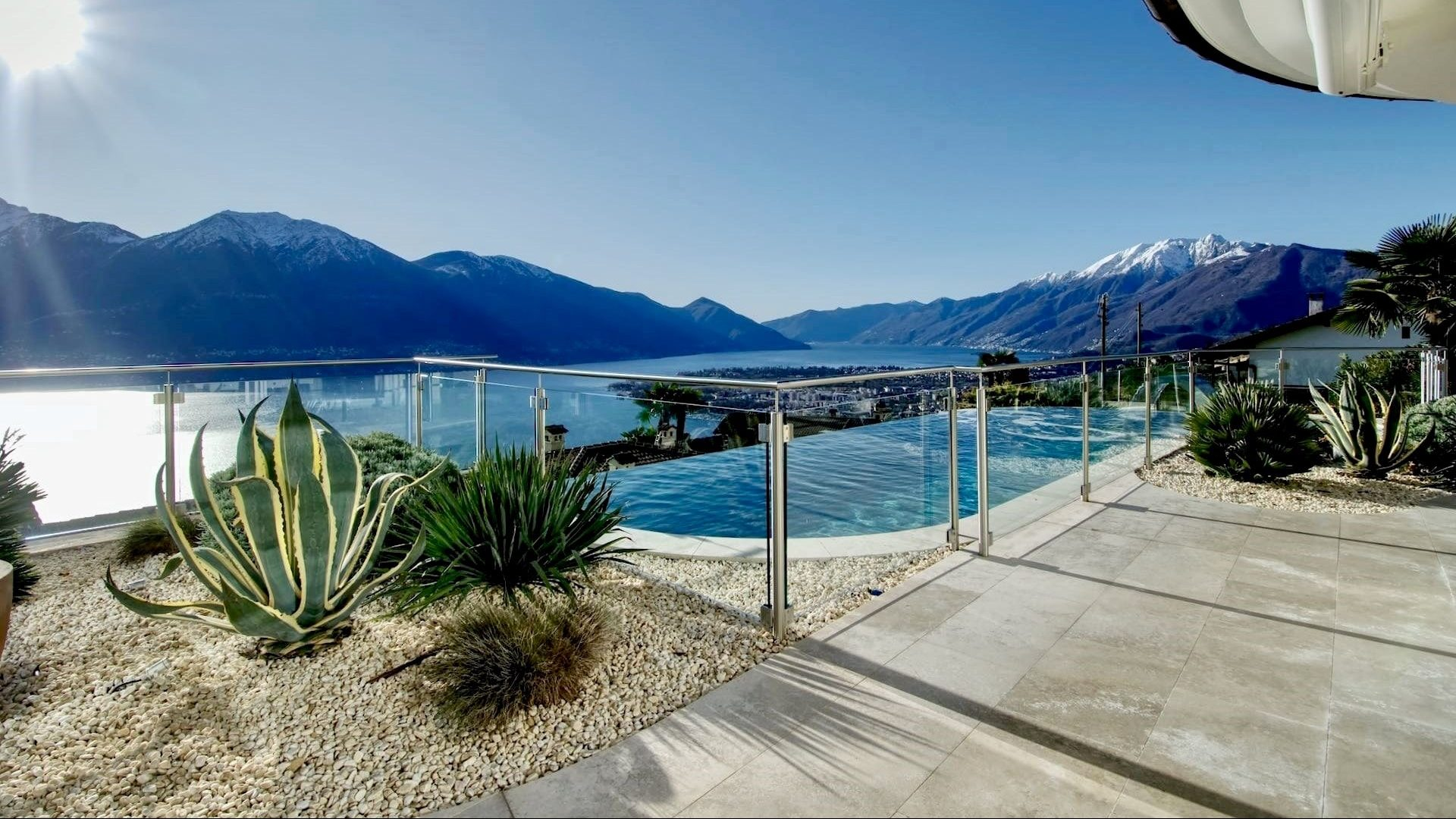 Villa surrounded by the lake and the mountains